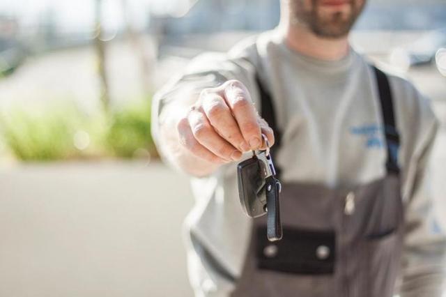 Покупка автомобиля у физического лица юридическим - порядок оформления, документы