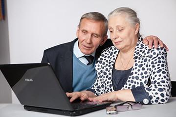 Какими правами и льготами обладает работающий пенсионер?