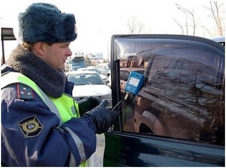 Штрафы ГИБДД за съемную тонировку - будет ли штраф, если тонировку снять на месте