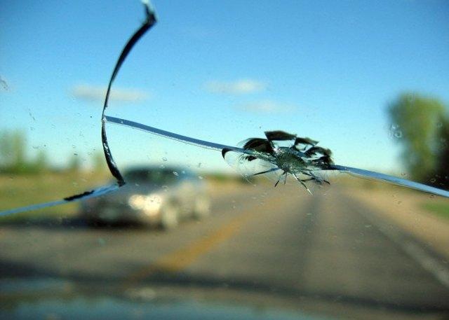 Замена лобового стекла по КАСКО — условия, особенности при франшизе