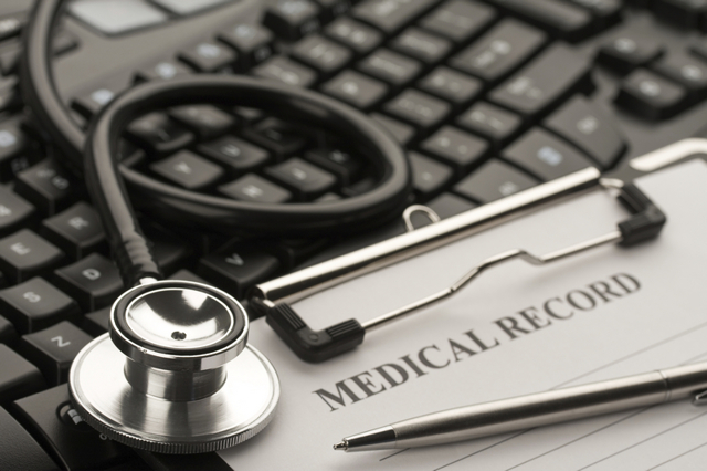Обязана ли медорганизация предоставлять гарантии пациенту на оказание медпомощи