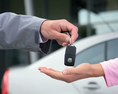 Как можно продать кредитный автомобиль если ПТС на руках или в банке