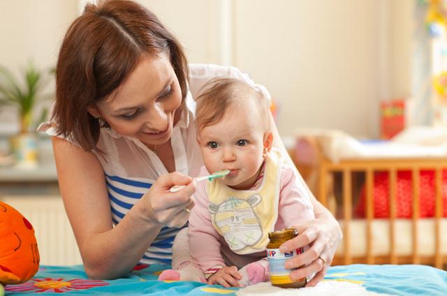 Декретный отпуск по уходу за ребенком до 1.5 и 3 лет - как оформить, продолжительность