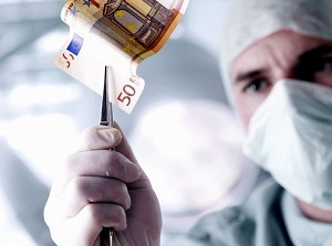 Как и куда можно пожаловаться на врача и что для этого понадобится?