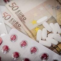 Платные медицинские услуги по ОМС - за что необходимо доплачивать?