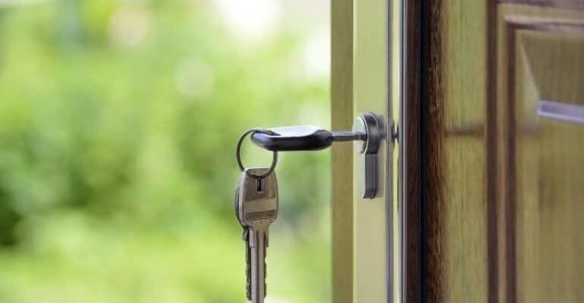 Выгодно ли взять квартиру в ипотеку и сдавать её в аренду?