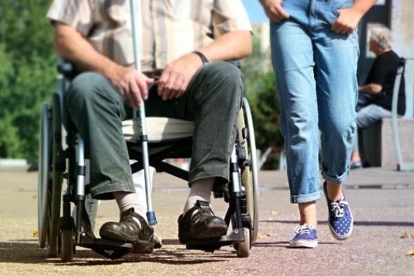 Социальная пенсия по инвалидности - кому положена и как ее оформить?