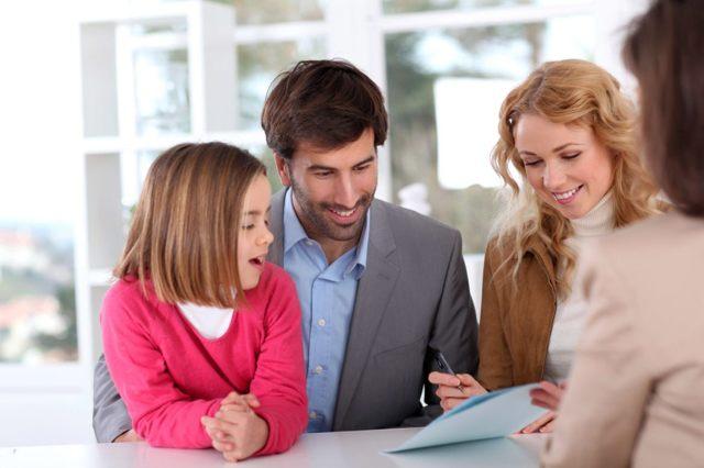 Страхование ребенка для выезда за границу: стоимость полиса, популярные программы, условия оформления