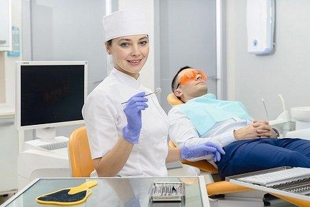 ДМС на стоматологические услуги и лечение зубов: стоимость программ, условия страхования