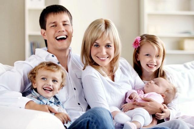 Семейное страхование от несчастных случаев: как застраховать семью, риски, программы и их стоимость