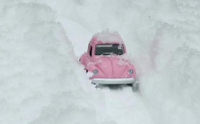 Что обязательно должно быть в автомобиле: зимой, девушке-водителю