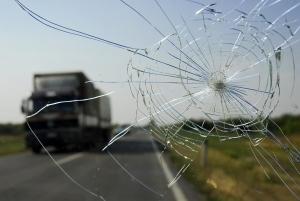 Можно ли пройти техосмотр с трещиной или сколом на лобовом стекле