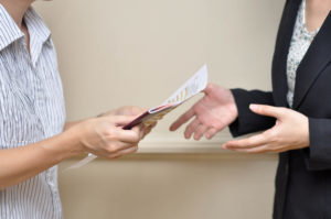 Доверенность на получение страховой выплаты - бланк, образец, как составить?