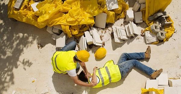 Возмещение утраченного заработка при несчастном случае - порядок, правила и особенности