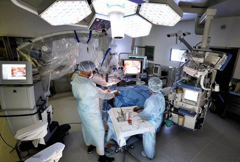 Высокотехнологичная медицинская помощь по ОМС и что она покрывает