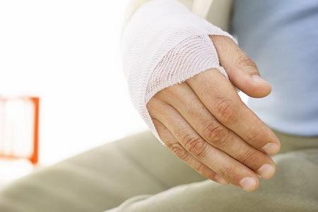 Договор страхования от несчастных случаев  —  оформление и расторжение