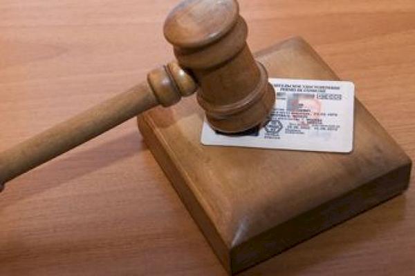 Помощь в возврате водительских прав после лишения: как и где получить, сколько стоит