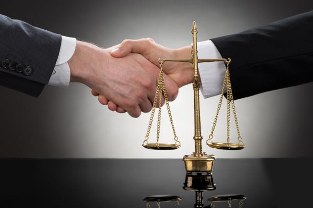 Цедент в страховании - кто это, его права и обязанности, примеры участия