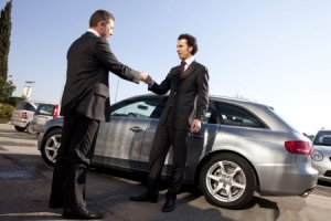 Покупка подержанного автомобиля с рук - порядок и правила, оформление, документы