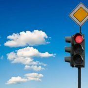 Как сотруднику ДПС защититься от наглых водителей - способы и методы