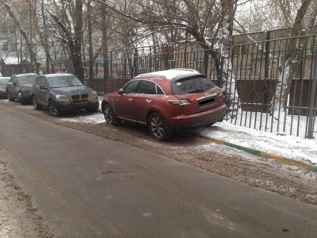 Забрали машину на штрафстоянку - что делать и куда звонить, если авто увезли на эвакуаторе
