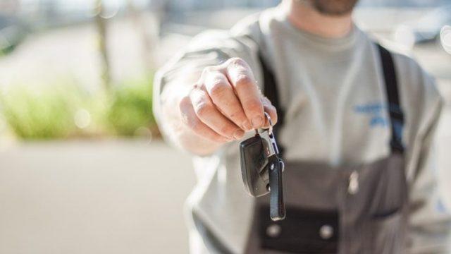 Доверенность на управление автомобилем от юридического лица - когда нужна, бланк и образец