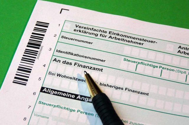 Подоходный налог с больничного в 2020 - порядок, правила и сроки уплаты НДФЛ