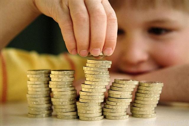 Льготы малоимущим пенсионерам в 2020 году: что положено, как оформить, необходимые документы
