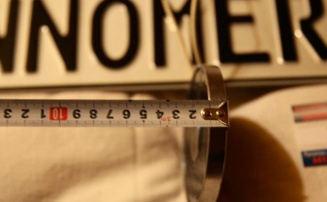 Магнитная рамка на номер: что это и зачем нужно, штраф за магниты на номера