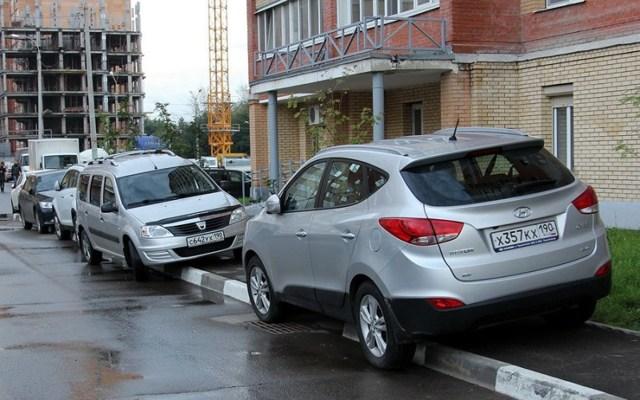 Штраф за парковку на тротуаре в 2020 и 2021 году