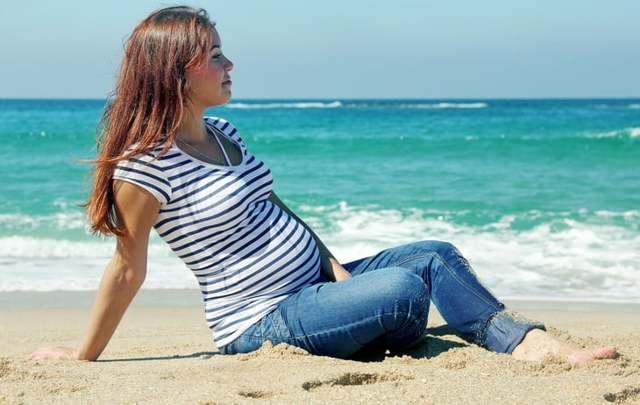 Страхование беременных при выезде за границу: условия и особенности страхования, стоимость полиса